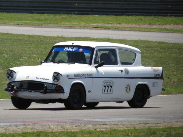 Fossa Ford Anglia, Race one